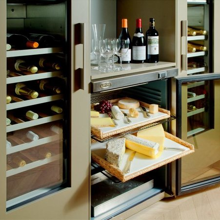The Atholl Hotel : In Suite Wine and Cheese Selection