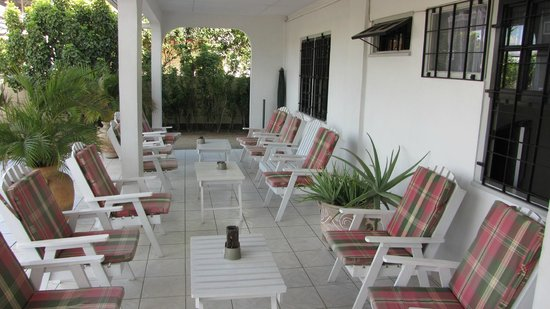 Guesthouse Amice: Lounge northside  Guesthous Amice Paramaribo