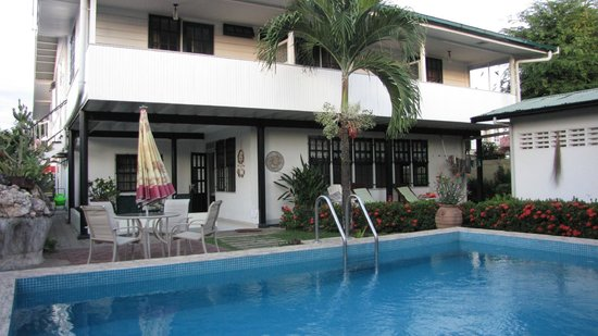 Guesthouse Amice : Swimming pool Guesthous Amice Paramaribo