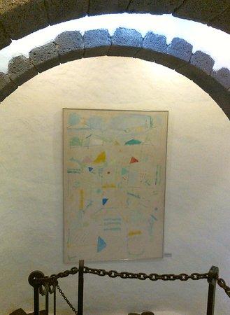 """Museo Internacional de Arte Contemporaneo Castillo de San Jose: cuadro """"bajoarcado"""""""
