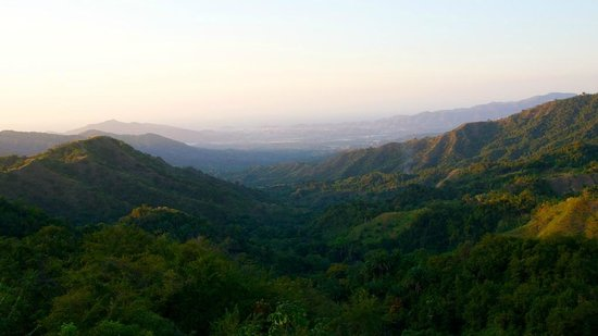 Oscar's Place:                   the view down the valley towards Santa Marta, its a 45min drive