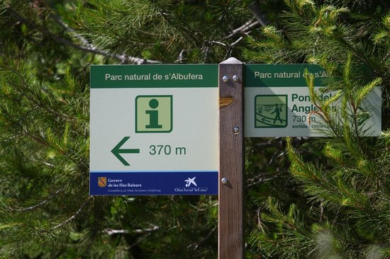 Parque natural s'Albufera de Mallorca: A sign in the park