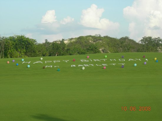 Fairmont Mayakoba:                   happy bday in golf tees