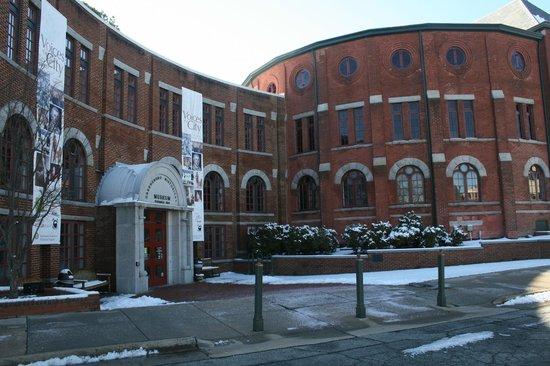 Greensboro Historical Museum: Main entrance