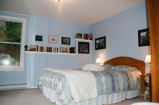 Cape Cod Bed & Breakfast Image