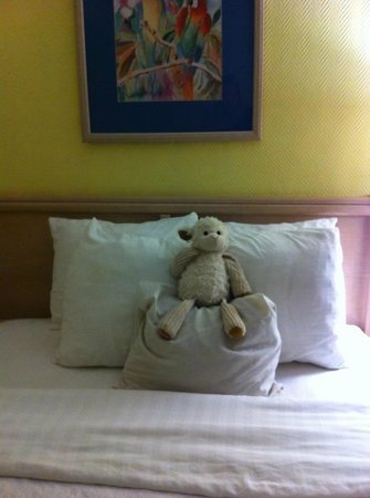 Magnuson Hotel Marina Cove:                   Sweet housekeeping!