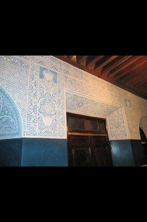 Riad Dar Elghali: beautifully detailed wall