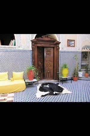 Riad Dar Elghali: lounge area