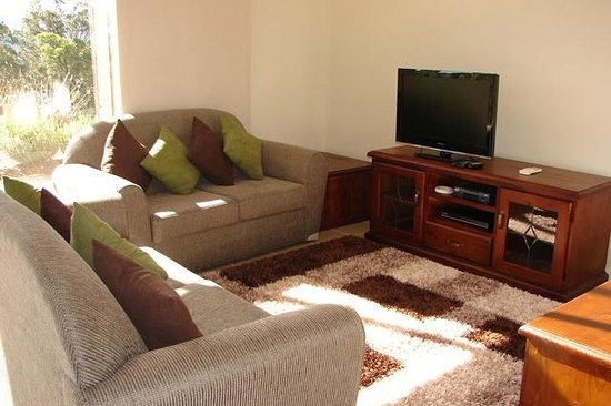 Kangaroo Valley Golf & Country Resort: Lounge around and watch TV