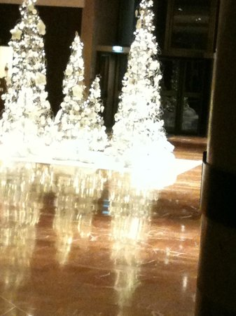 Hilton Strasbourg: Le Hall création Laurence Hanaeur Décembre 2012
