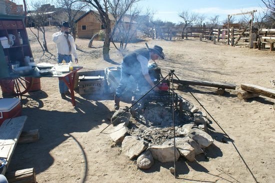 Tombstone Monument Ranch :                   Chuck wagon lunch