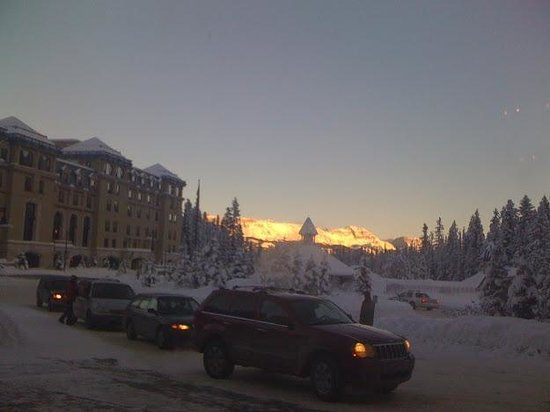 Fairmont Chateau Lake Louise: Sunset