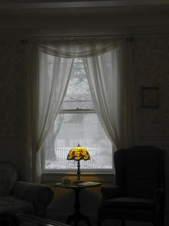 Saltair Inn Waterfront B&B:                   front window of parlor