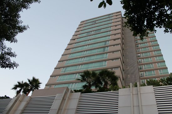 Adelphi Grande Bangkok by Compass Hospitality:                   Front of Hotel