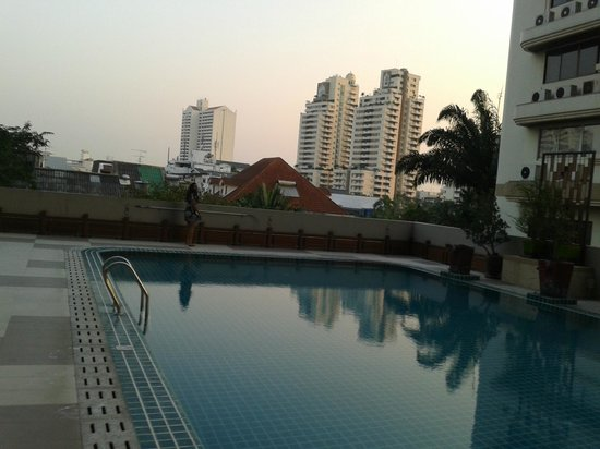 Adelphi Grande Bangkok by Compass Hospitality:                   Swimming pool area
