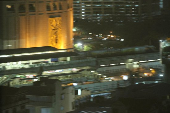 Adelphi Grande Bangkok by Compass Hospitality:                   View from room! Emporium Shopping mall