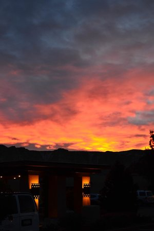 Best Western Plus Inn of Sedona:                   The hotel at sunrise