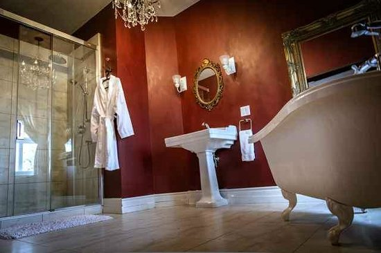 Manoir Becancourt: Queen Room Suite