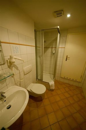 Hotel Elch: Bathroom
