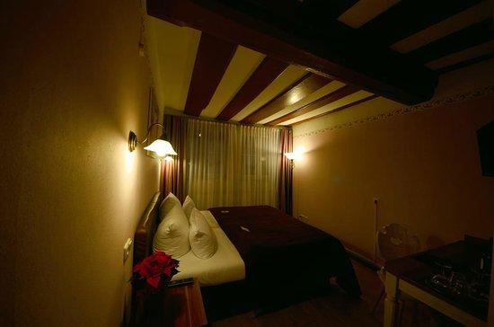 Hotel Elch: Room2