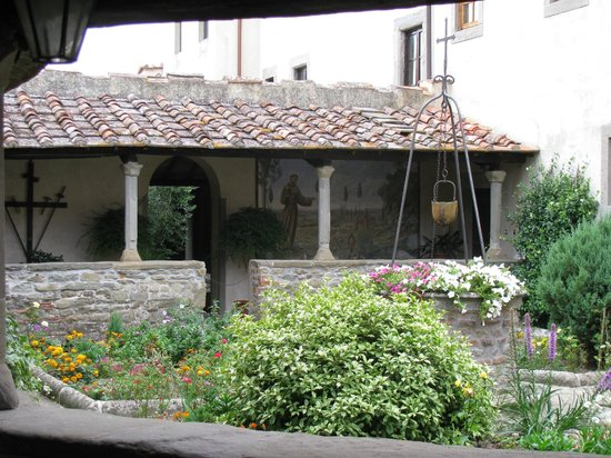 Tree Experience - Parco Avventura Vincigliata :                   14th century cloister