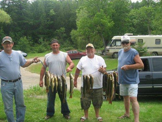 Cutler Lake Lodge: Fishing
