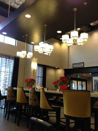 Hampton Inn & Suites Columbia / South:                   Dining area