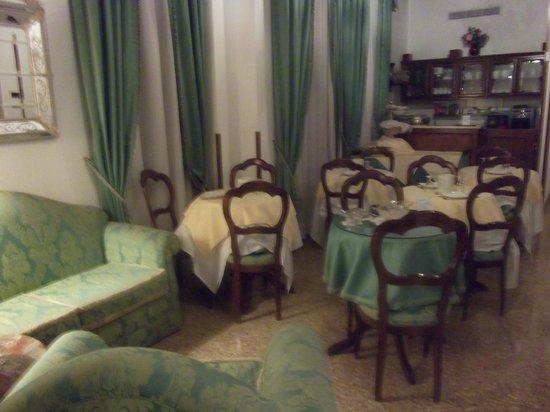 Apostoli Palace: Sala de desayunos