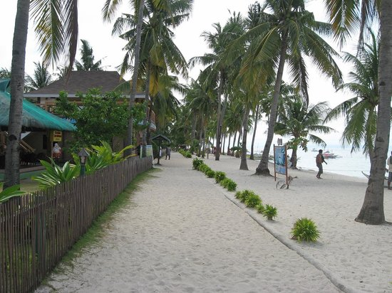 Cocobana Beach Resort:                   No motorbikes allowed here in most areas, to it's a pleasant walk barefoot.
