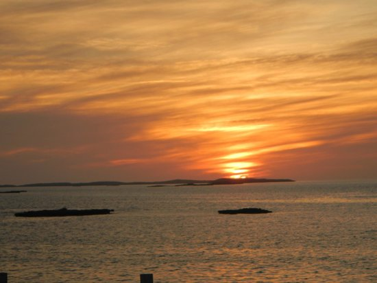 Staniel Cay Yacht Club:                   what can i say.. lovely sunsets every night