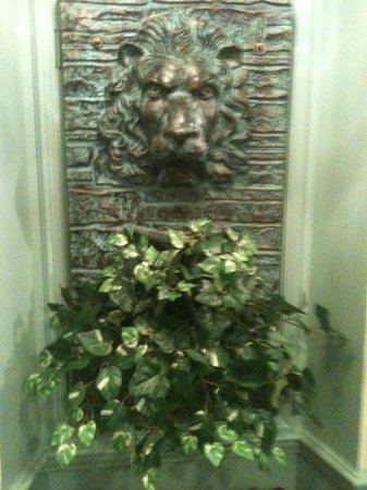 Lowell Inn:                   Lion and plant
