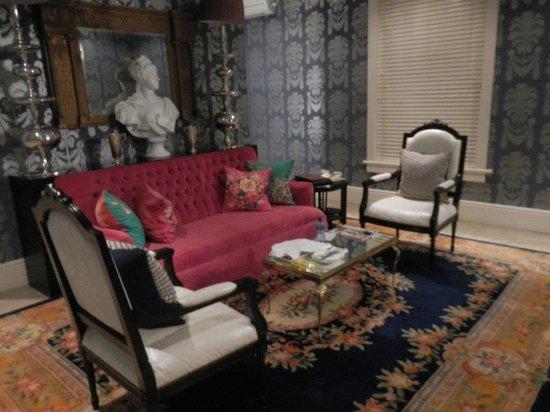 MannaBay:                   Versailles Suite