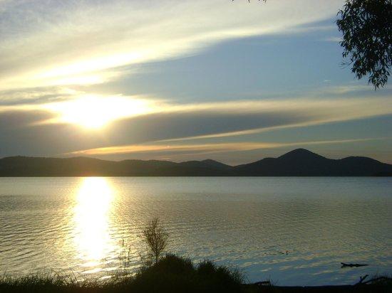Pacific Palms Resort: Sunset at Wallis lake 500m walk