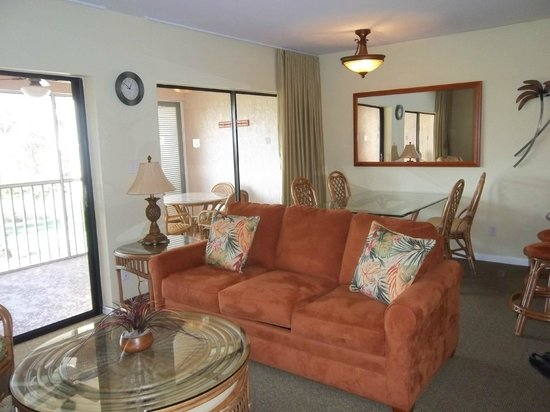 Club Regency of Marco Island :                   Living Room