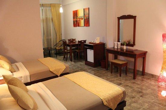Olympus Plaza Hotel: Rooms & Facilities