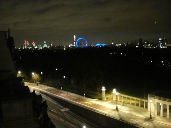 InterContinental London Park Lane:                   Night time view from our room at Intercontinental Park Lane                 