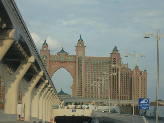 Atlantis, The Palm:                   Driving to The Atlantas