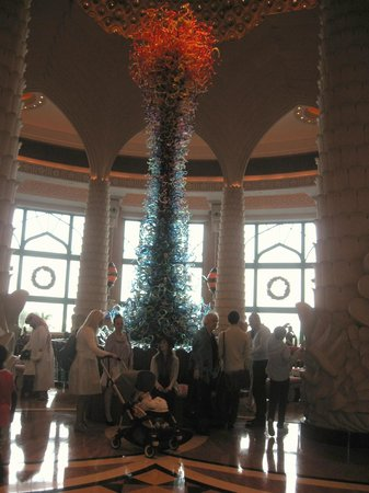 Atlantis, The Palm :                   Altantas foyer