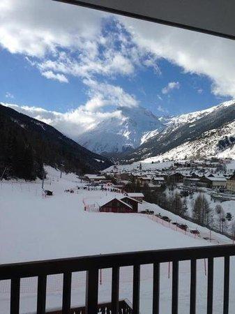 Hôtel Club mmv Val Cenis : vue de la chambre sur les piste au premier étage!
