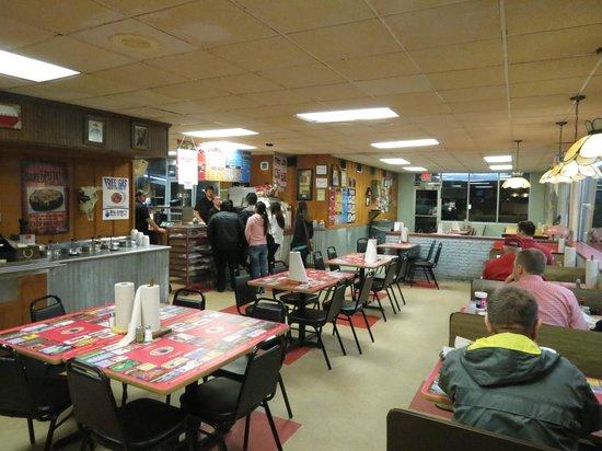 Big Jake's Smokehouse:                   Big Jake's at dinner time.