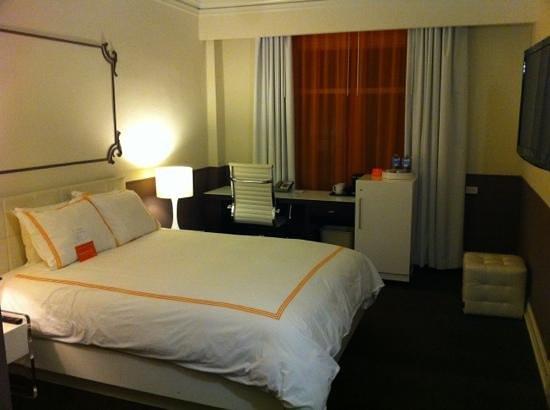 Hotel Vertigo:                   quarto