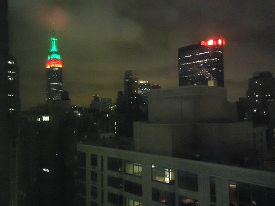 Candlewood Suites New York City Times Square: Christmas lighting at the Empire State Building