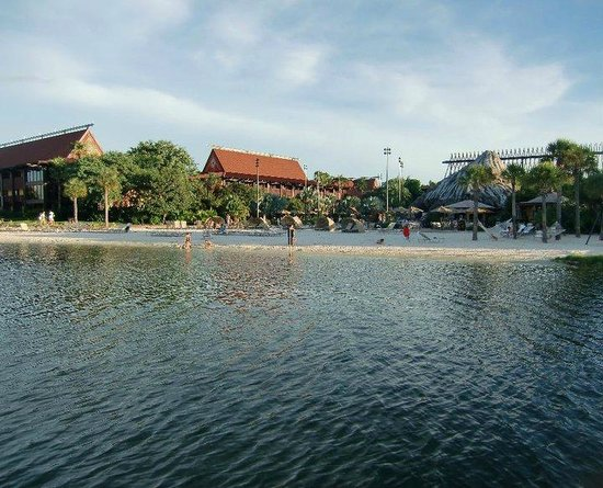 Disney's Polynesian Village Resort:                   Resort from boat