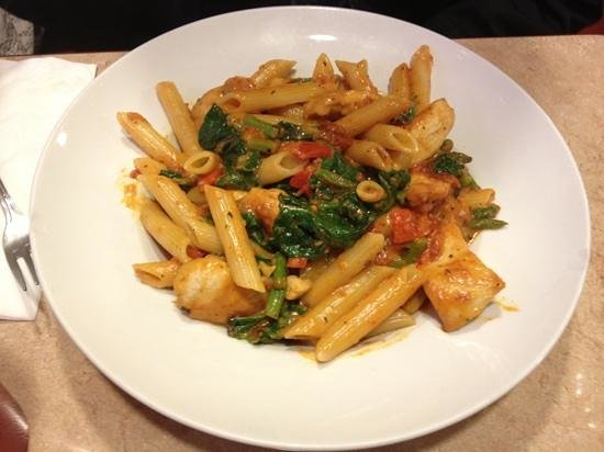 Pete's Grill: Chicken sautéed with fresh Aspargus, Brocolli and Peper pasta
