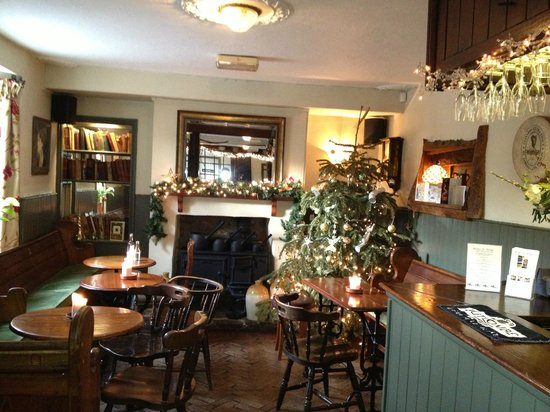 Interior at christmas picture of the pony trap chew magna