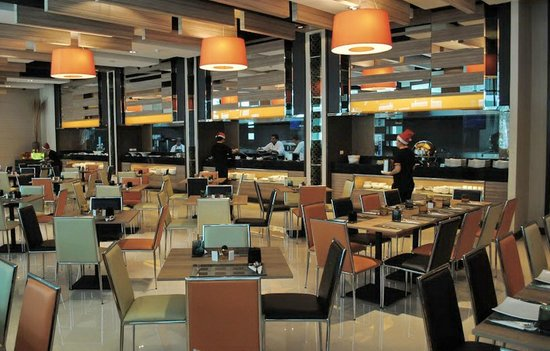 Mida's Hotel Uno: Photong Restaurant