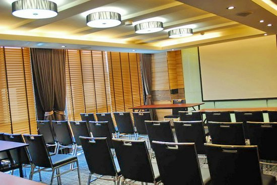 Mida's Hotel Uno: Function/Conference Room