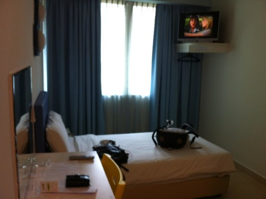 Hotel YY38 :                   single room