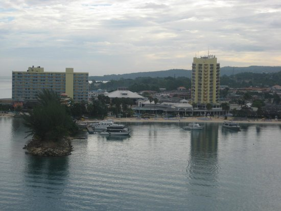 Ocho Rios Fort: dontown of ocho rios