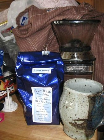 Mahina Cafe:                   some of the local coffee lands fare if you are out and looking